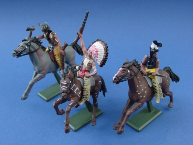 Britains Super Deetail Indian Warriors on Horseback