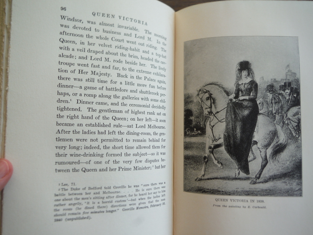Image 2 of Queen Victoria (Leather Bound)