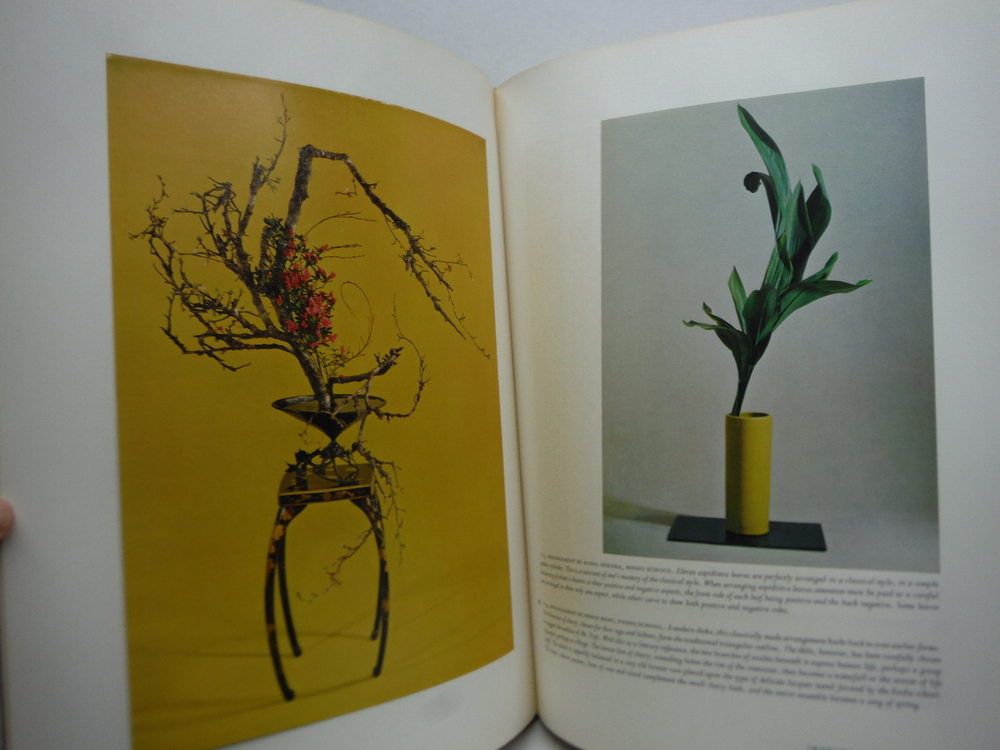 Image 2 of The Masters' Book of Ikebana: Background & Principles of Japanese Flower Arrange