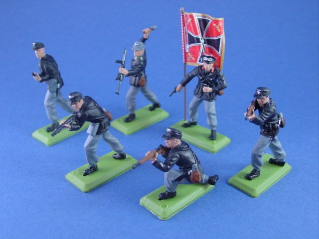 Britains Deetail DSG Toy Soldiers WWII German Panzer Troops with Regimental Flag