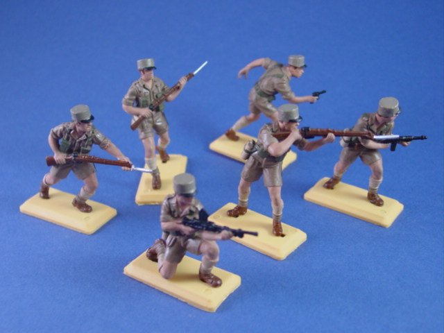 Britains Deetail DSG Toy Soldiers WWII Free French Infantry in North Africa
