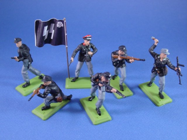 Britains Deetail DSG Toy Soldiers 6 piece set of Eastern Front German SS with Battle Flag