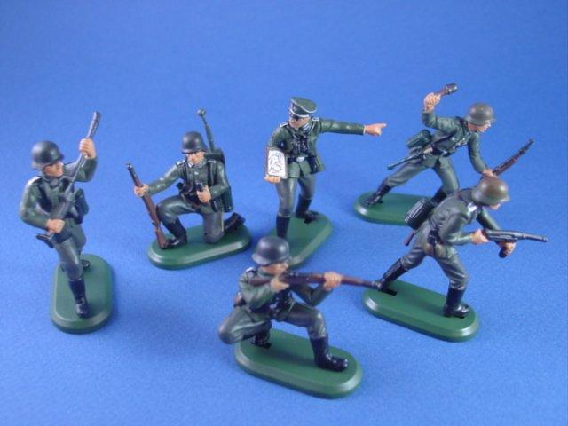 Britains Super Deetail Plastics WWII German Infantry Set